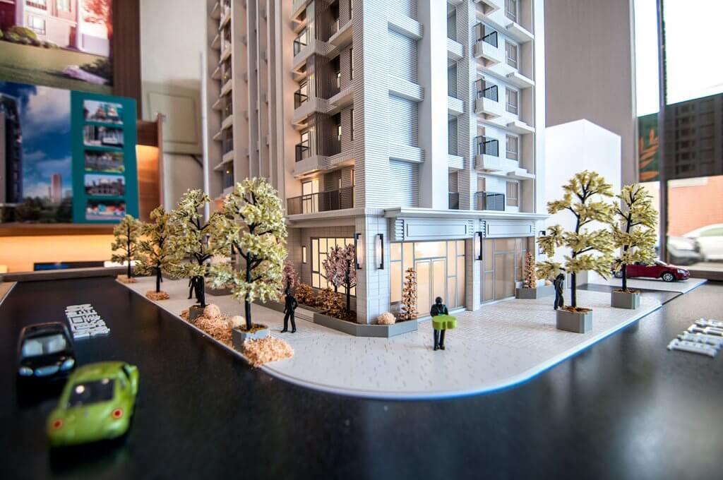 「維瓦第天晴」在臨路的ㄇ型角地上,規劃店面2戶住家56戶